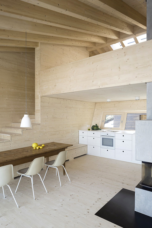 vue de l'intérieur en bois clair